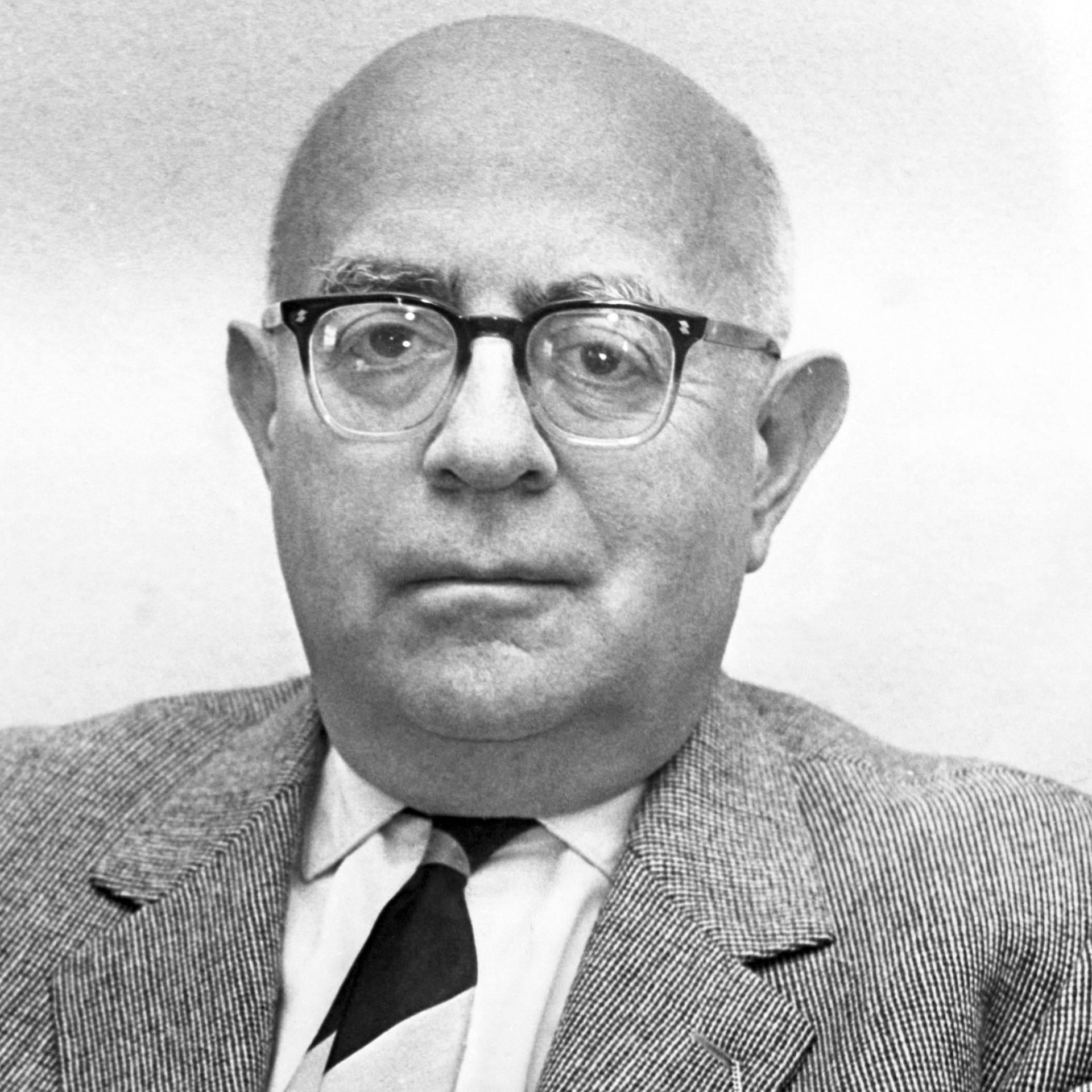 Zum 50. Todestag Adornos - Philosophie-Titan?