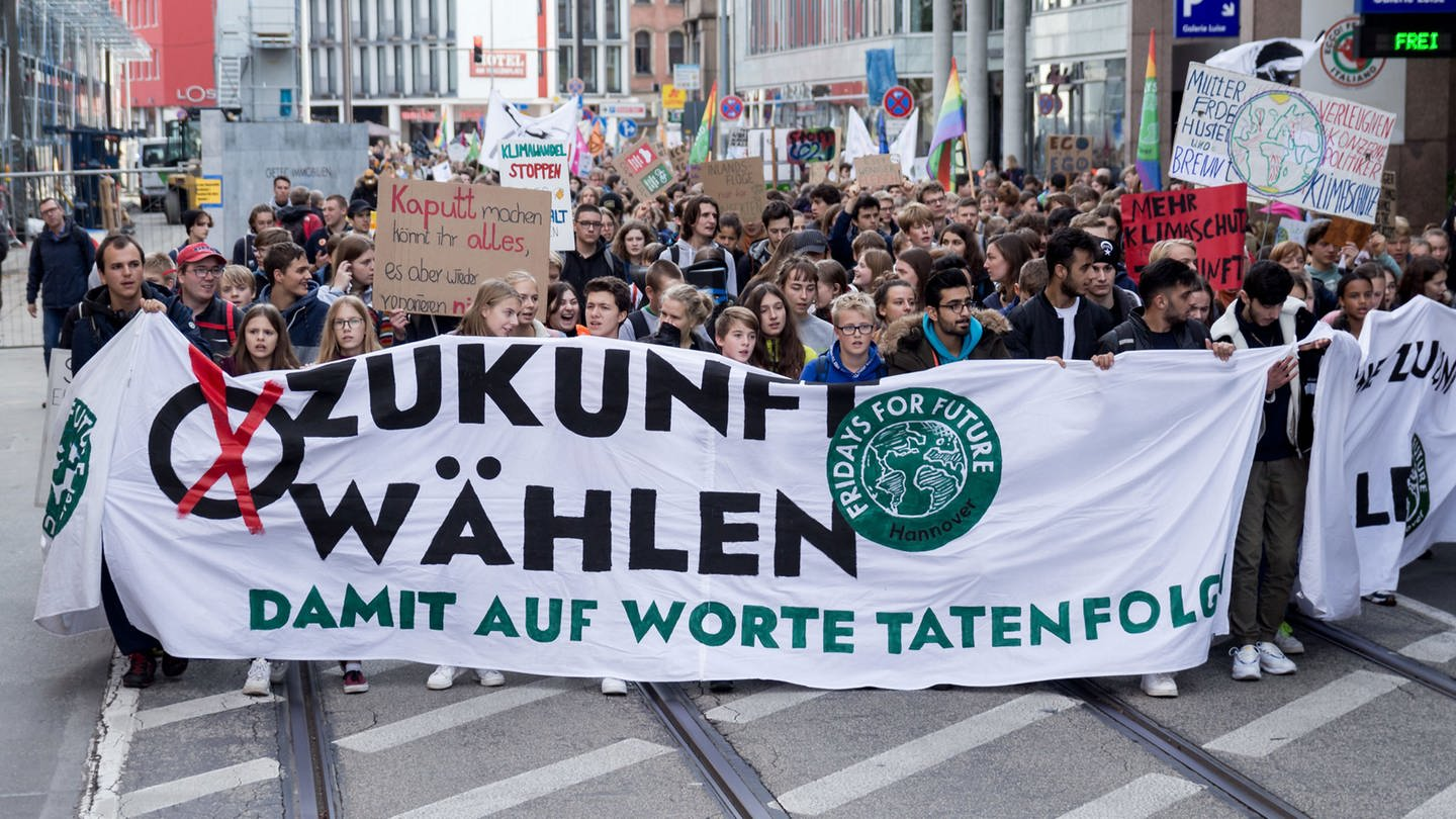 """Fridays for Future"" - Protest (Foto: picture-alliance / Reportdienste, picture alliance / NurPhoto / Foto: Peter Niedung)"