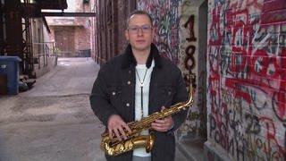 Jazz-Musik Jan Prax beim Dreh mit Kunscht (Foto: SWR)