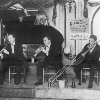 Dixieland Jazz Band (von links nach rechts) Russell Robinson, Larry Shield , Nick la Rocca , Emile Christian und Tony Sparbarro (Foto: Imago, imago images / United Archives International)