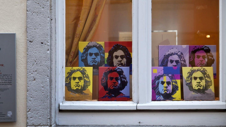 Bilder von Ludwig van Beethoven in einem Fenster (Foto: picture-alliance / Reportdienste, blickwinkel/S. Ziese)