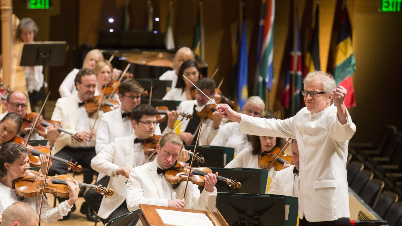 Osmo Vänskä dirigiert das Minnesota Orchestra