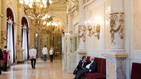 Semperoper innen, Foyer (Foto: picture-alliance / Reportdienste, Ernst Wrba)