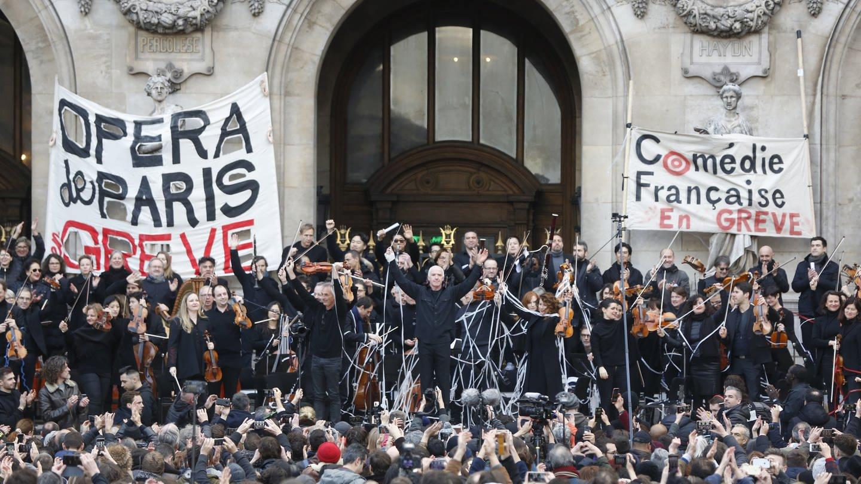Streikende Musiker der Opera Garnier (Foto: picture-alliance / Reportdienste, Thibault Camus)