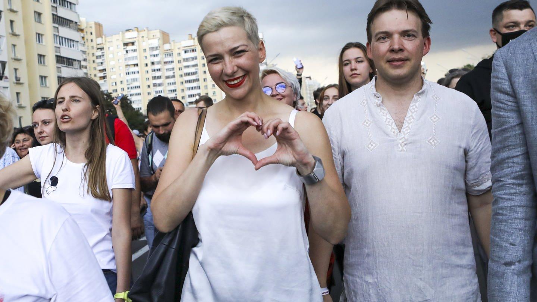 Maria Kolesnikowa (M) am 30. August in Minsk (Foto: picture-alliance / Reportdienste, Uncredited)