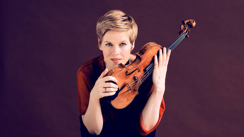 Die Geigerin Isabelle Faust (Foto: © Felix Broede)