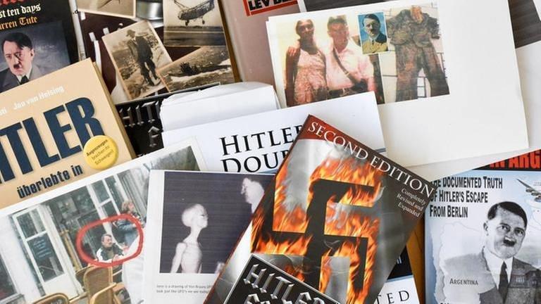 Verschiedene Schriften über Hitler