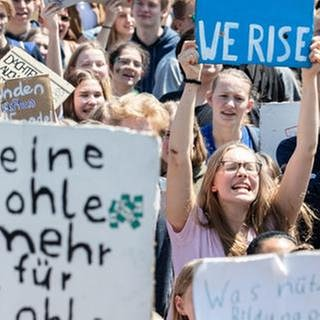 Demonstrantinnen und Demonstranten bei der Fridays for Future Demonstration am 24. Mai 2019 in München. (Foto: picture-alliance / Reportdienste, picture-alliance / Reportdienste - Foto: NurPhoto/Alexander Pohl)