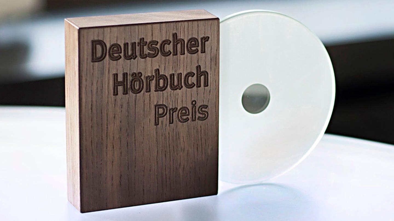 Deutscher Hörbuchpreis - Holzbox mit CD (Foto: WDR - Annika Fusswinkel)