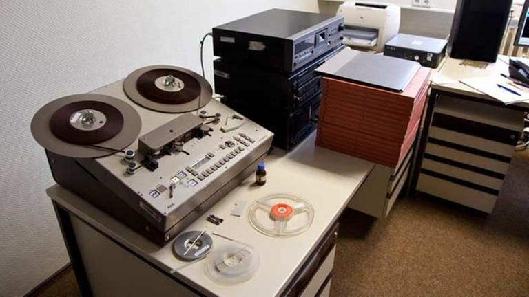 Bandmaschine in der Bundesbehörde für die Unterlagen der ehemaligen Deutschen Demokratischen Republik BStU