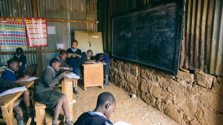 Schule in Nairobi, Kenia (Foto: Imago, imago stock&people)
