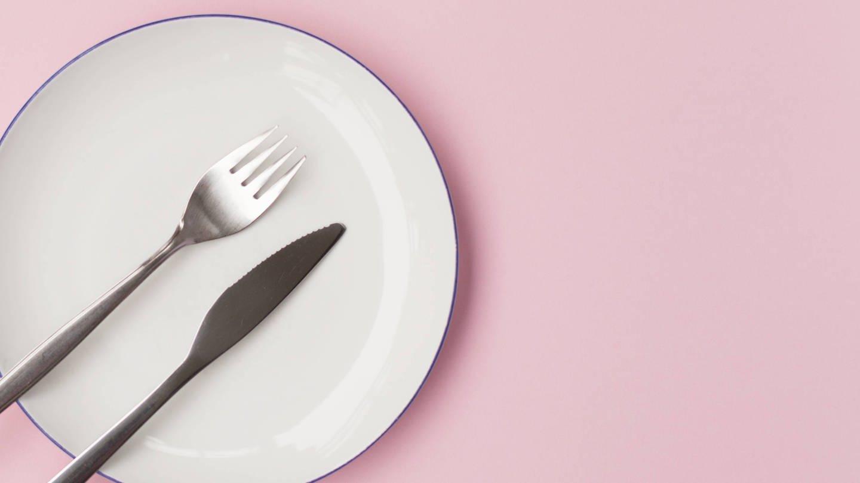 Wer auf die richtige Weise fastet, tut etwas für seine Gesundheit (Foto: Imago, imago/Photocase)