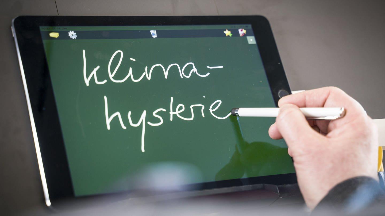 14.01.2020, Hessen, Darmstadt: Nina Janich, Professorin für Germanistische Linguistik und Jurysprecherin