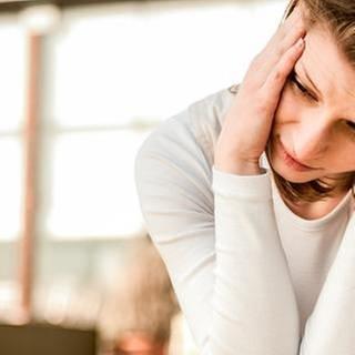 Migräne bei Jugendlichen (Foto: Getty Images, Thinkstock -)