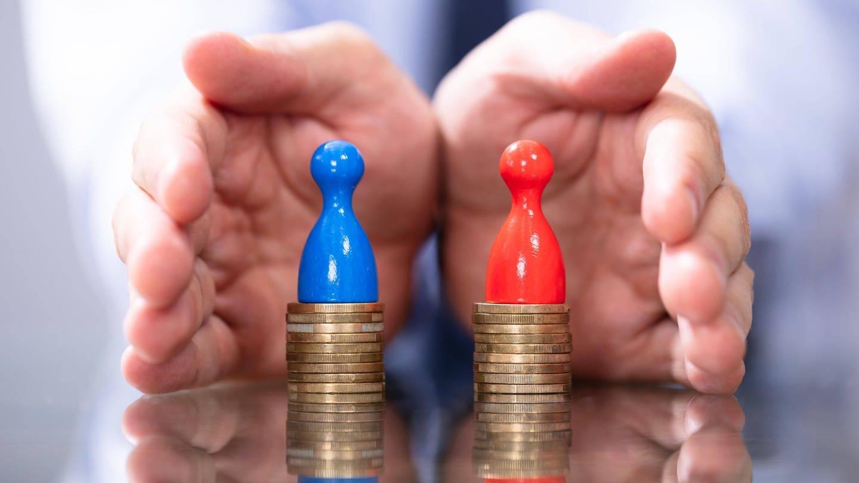 Geringe Bezahlung und Intransparenz sorgen beim Lohn immer wieder für Diskussionen (Foto: Imago, imago images / Panthermedia)