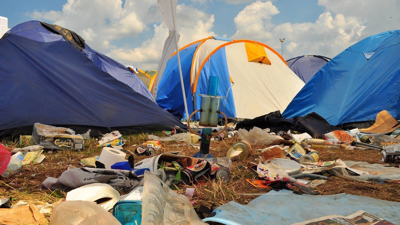 Vermüllter Zeltplatz beim Roskilde-Festival 2009: Die Gegenwartsarchäologie erforscht die jüngste Vergangenheit mit den Methoden der Archäologie