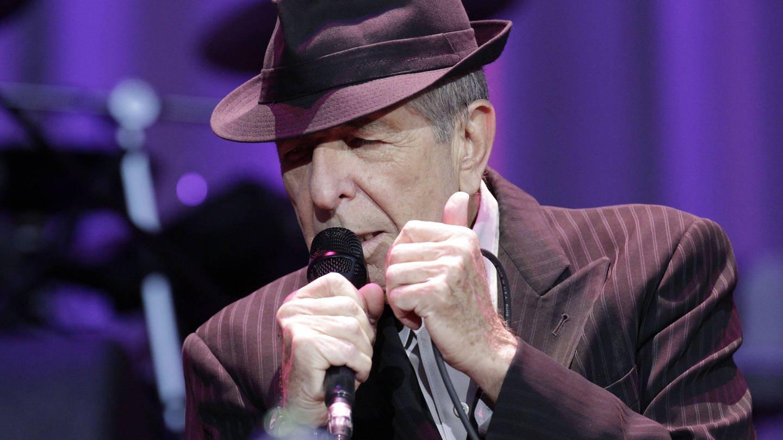 Leonard Cohen 2012 bei einem Konzert auf der Berliner Waldbühne
