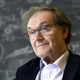 Der britische Mathematiker und Physiker Sir Roger Penrose 2015. 2020 erhielt er den Nobelpreis für Physik. (Foto: picture-alliance / Reportdienste, picture alliance/APA/picturedesk.com)