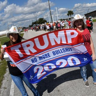 Trump-Fans am 12. Oktober 2020 in Sanford  Florida (Foto: picture-alliance / Reportdienste, © Paul Hennessy/SOPA Images via ZUMA Wire / picture alliance/ZUMA Press)