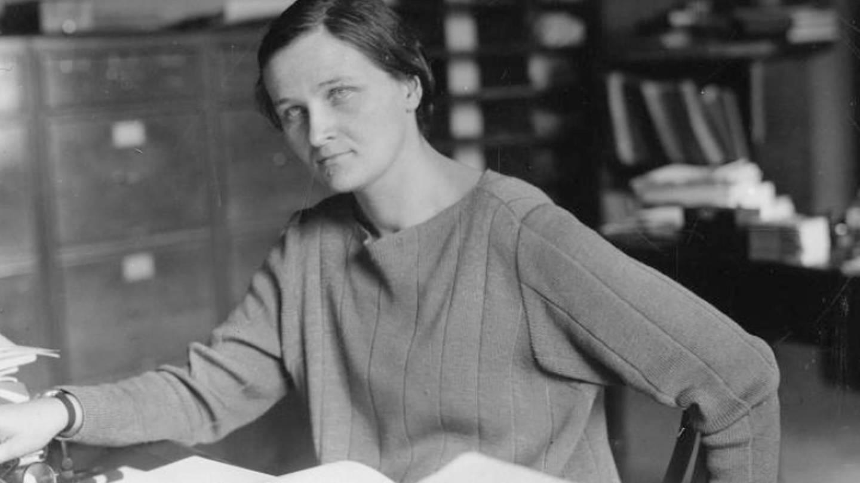 Cecilia Helena Payne Gaposchkin (1900-1979), Astrophysikerin am Harvard College Observatory, war beknt für ihre Forschung zu Sternspektren (Foto: Smithsonian Institution Archives, Accession 90-105, Science Service Records, Image No. SIA2009-1325)