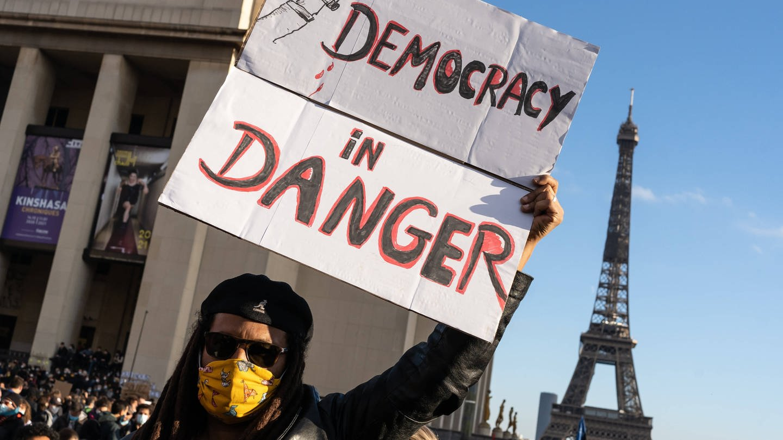 Die Politologin Judith Nisse Shklar – Wie Demokratien Krisen überstehen