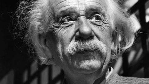 Albert Einstein 1954 (Foto: picture alliance/AP Photo - picture alliance/AP Photo)