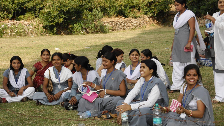 Junge indische Studentinnen (Foto: Imago, imago stock&people)