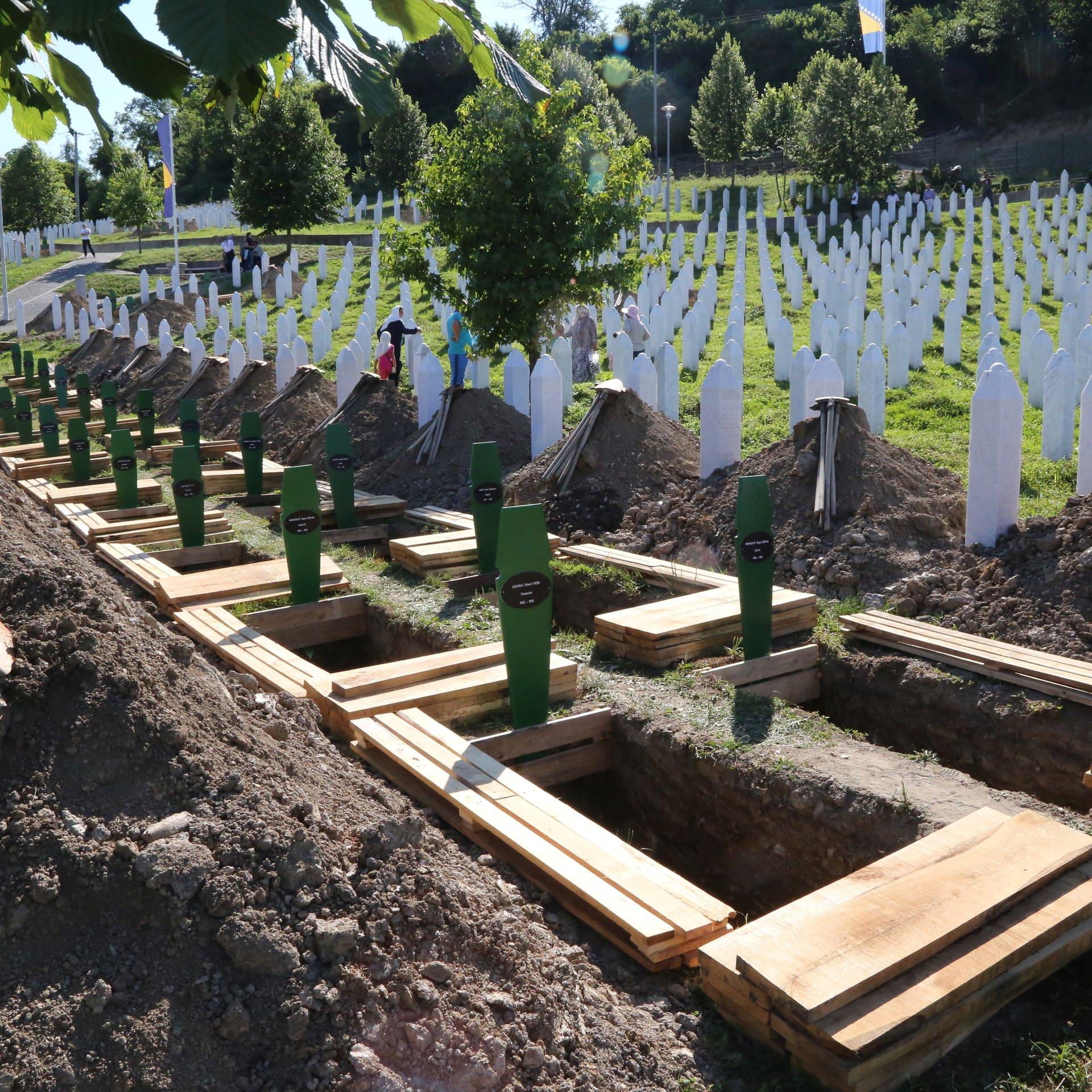Kriegsverbrechen auf dem Balkan – Gelingt die Aufarbeitung?