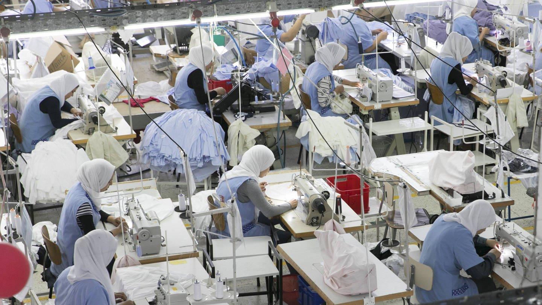 Näherinnen in einer Textilfabrik (Foto: Imago, imago/photothek)