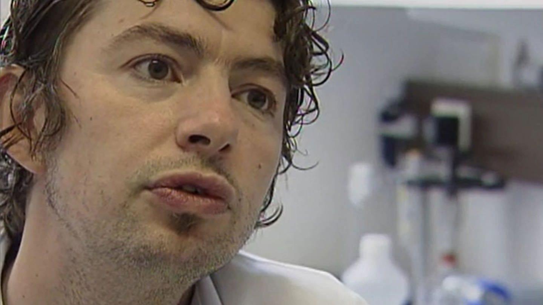 Christian Drosten entwickelte 2003 als junger Virologe am Bernhard-Nocht-Institut in Bonn rasch einen SARS-Test (Foto: SWR)