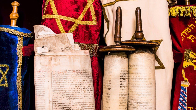 Thorarollen in einer Berliner Synagoge (Foto: Imago, imago images / Uwe Steinert)