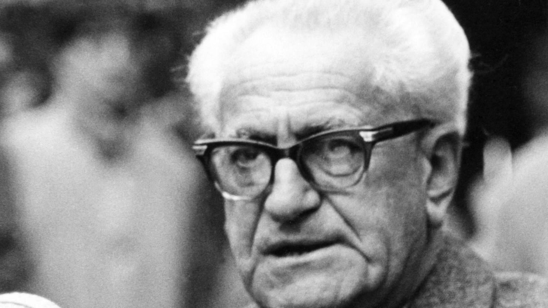 Der Richter und Staatsanwalt Fritz Bauer (1903 - 1968) war maßgeblich am Zustandekommen der Auschwitzprozesse in Frankfurt am Main beteiligt; er gab dem israelischen Geheimdienst Mossad den entscheidenden Tipp zur Ergreifung von Adolf Eichmann in Argentinien (undatiertes Foto) (Foto: dpa Bildfunk, picture alliance / dpa | Manfred Rehm)