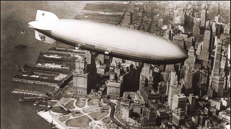 Zeppelin LZ 127 im Jahr 1929 über New York