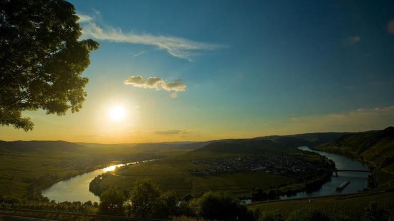 Moselschleife bei Leiwen im Sonnenuntergang (Foto: SWR, (Pressestelle) - Dominik Ketz / Rheinland-Pfalz Tourismus GmbH)