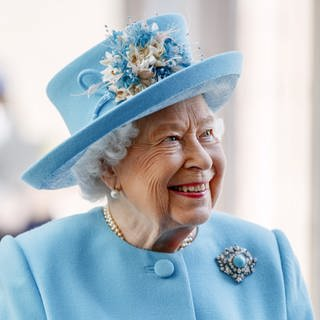 Queen Elizabeth lächelt (Foto: picture-alliance / Reportdienste, picture alliance / empics | Tolga Akmen)