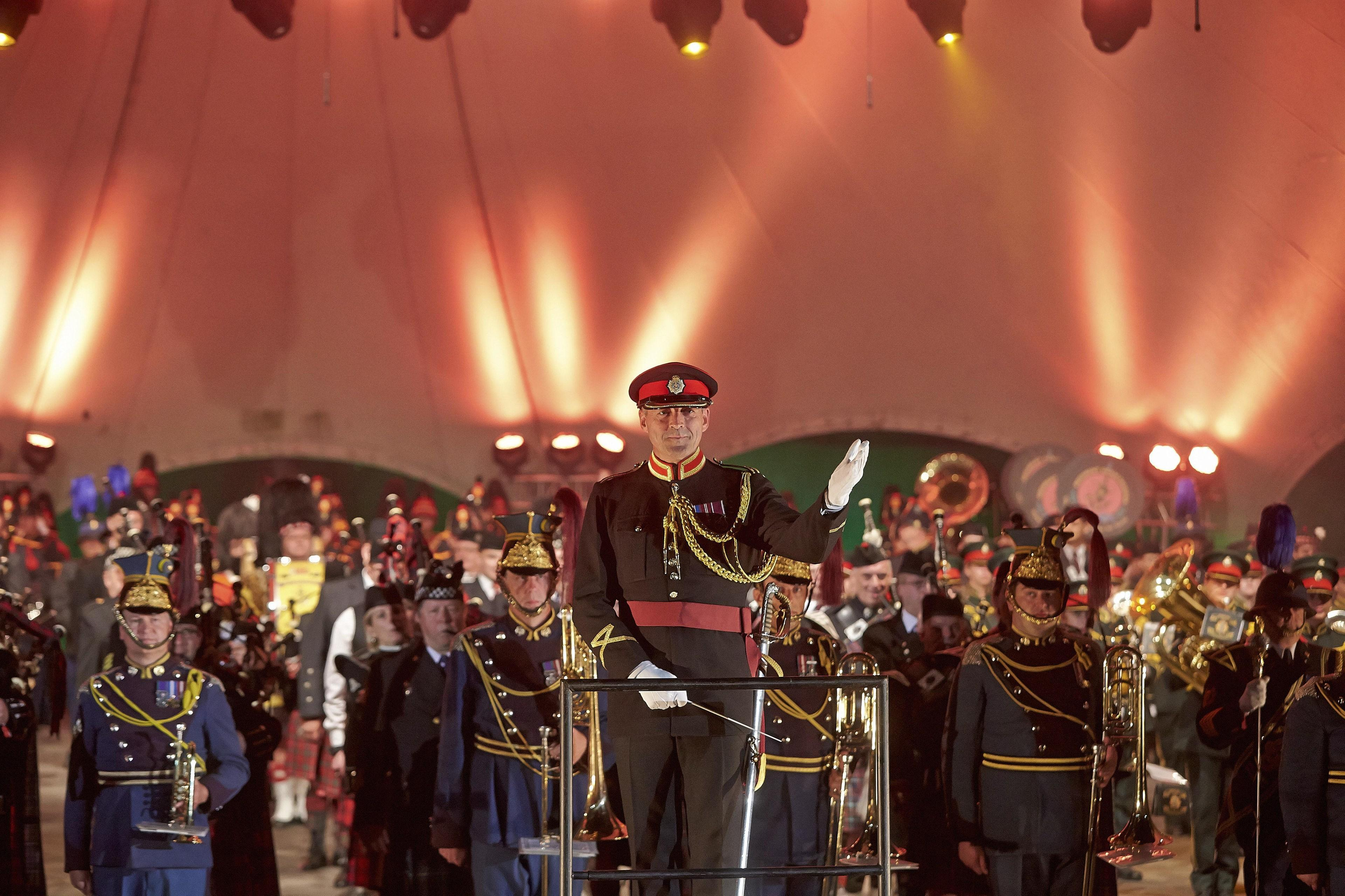 Loreley-Tattoo 2016 Military Music Festival Major Jason Griffith mit Blaskapelle Musical Director Edinburgh Tattoo (Foto: picture-alliance / Reportdienste, Picture Alliance)
