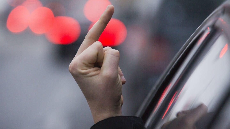 Vor allem im Straßenverkehr sehen die Befragten immer mehr Rücksichtslosigkeit und Aggressivität. (Foto: dpa Bildfunk, picture alliance/Jens Büttner/dpa-Zentralbild/dpa)