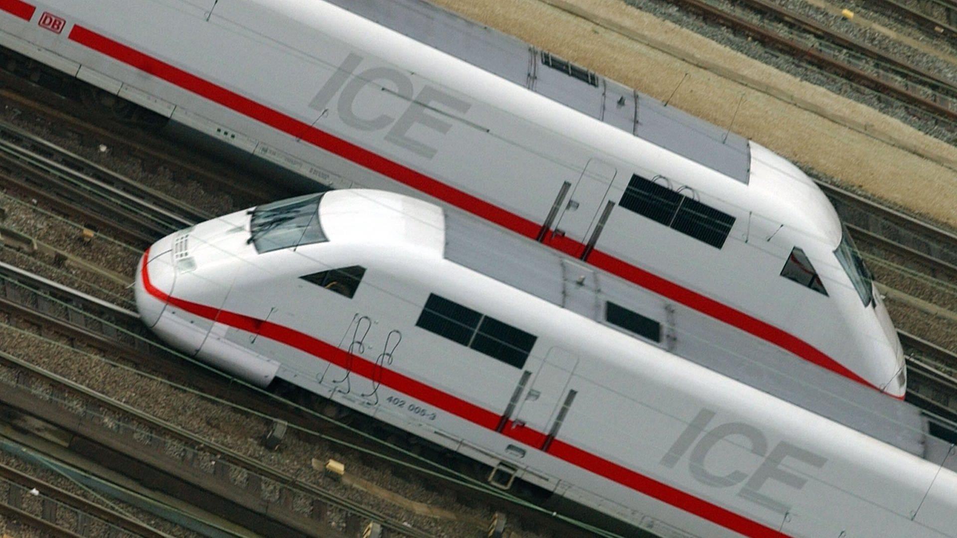 Bild von zwei ICE-Zügen