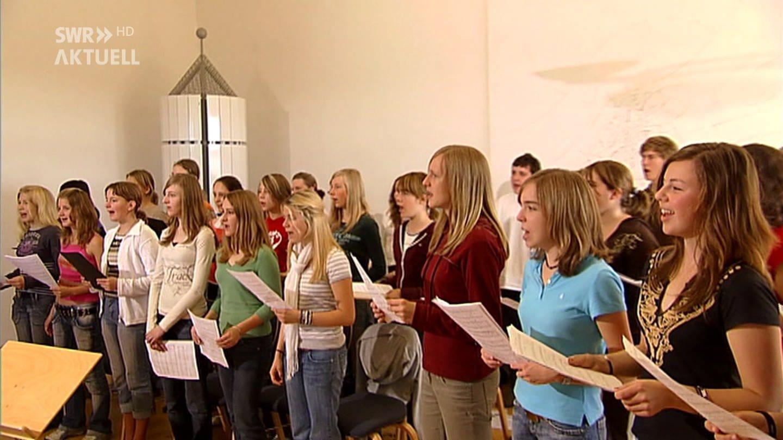 Schüler singen im Chor