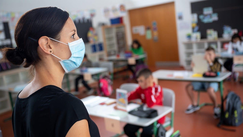Corona-Pandemie-St-dte-und-Gemeinden-wollen-ffnung-der-Grundschulen-ohne-Wechselbetrieb