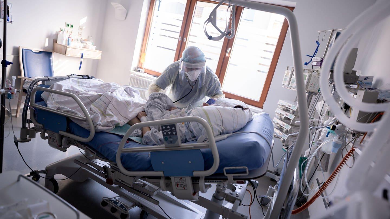 Corona: Müssen Ungeimpfte höhere Krankenkassenbeiträge zahlen?