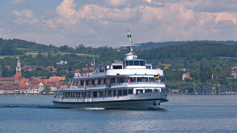 Das Ausflugsschiff MS Stuttgart unterwegs auf dem Bodensee (Foto: Pressestelle, Bodensee-Schiffsbetriebe)