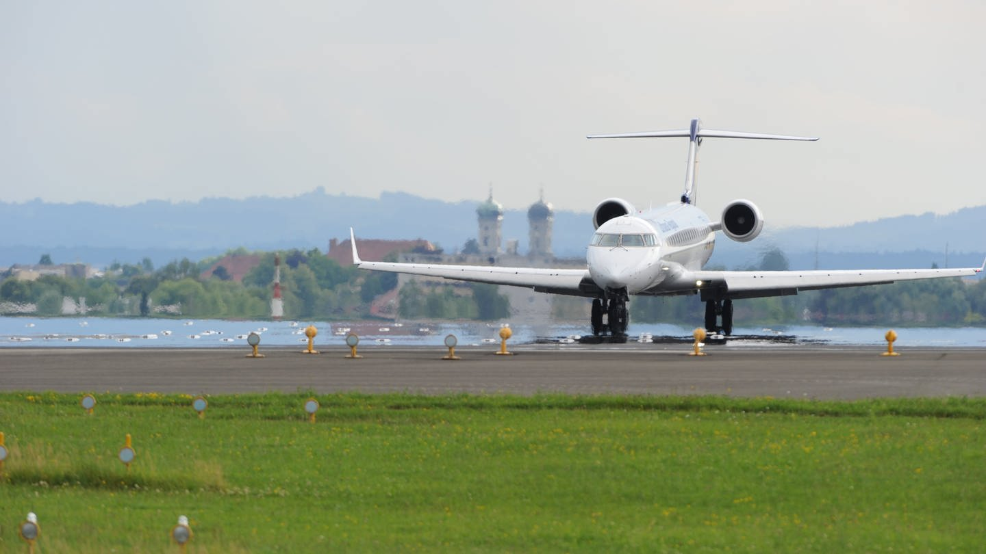 Flugzeug am Bodensee Airport in Friedrichshafen (Foto: Pressestelle, Bodensee-Airport Friedrichshafen)