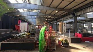 Im Fruchtschuppen laufen die Rückbauarbeiten (Foto: SWR)