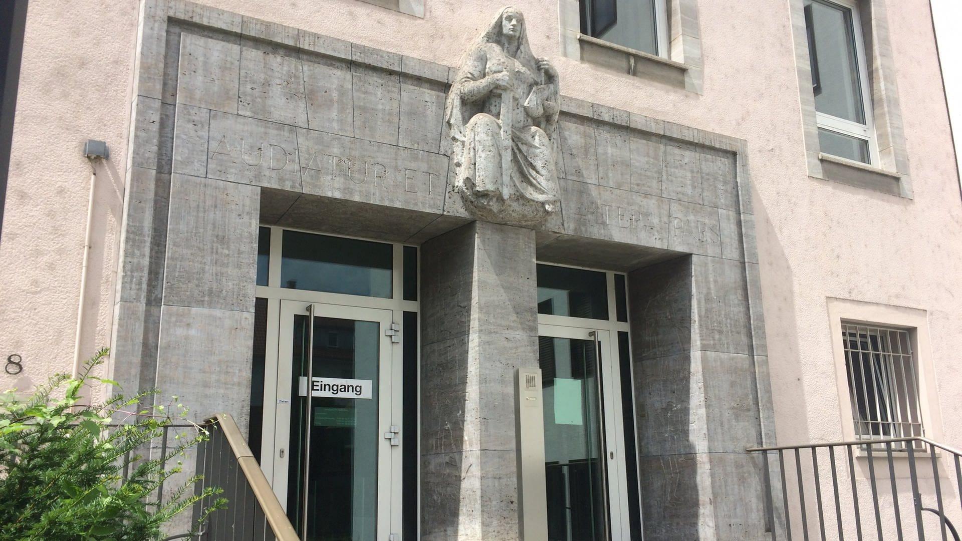 Der Eingang des Landgerichts Heilbronn