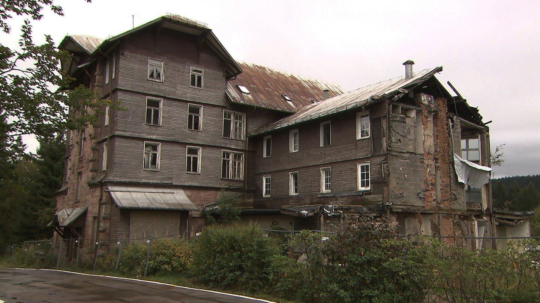 Verfallenes Kurhaus Hundseck an der Schwarzwaldhochstraße