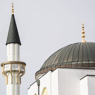 Bild der Fatih-Moschee in Pforzheim (Foto: picture-alliance / Reportdienste, picture alliance/Tom Weller/dpa)