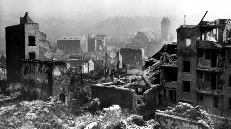 Blick auf das zerstörte Pforzheim (Foto: dpa Bildfunk, picture alliance/dpa | dpa)