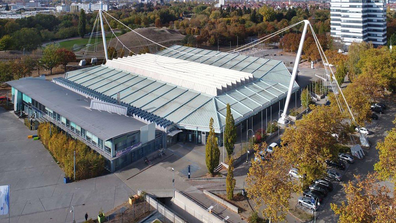Die Europahalle wird ab Mai saniert (Foto: Pressestelle, Stadt Karlsruhe/Fränkle)