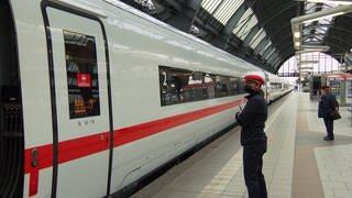 ICE fährt ab am Karlsruher Hauptbahnhof (Foto: SWR)